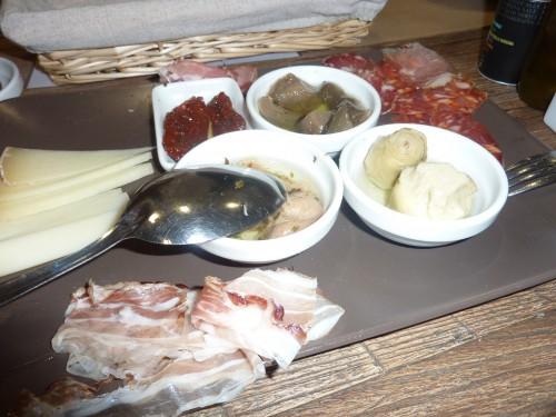 epicerie sarde, sardaigne,pain carauso,saraceno,brebis,